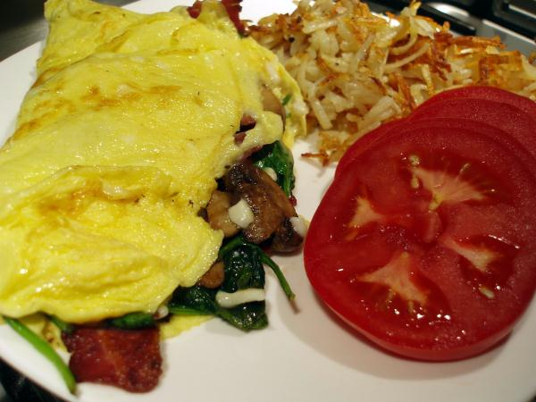 spinach omelet, bacon omelet